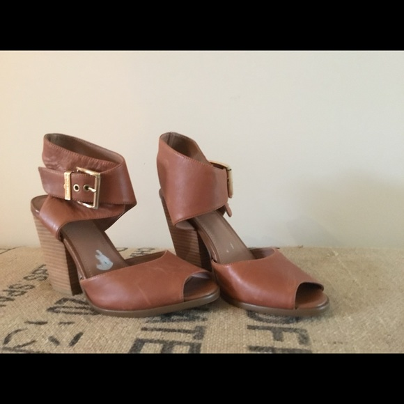 Vince Camuto Shoes - Leather sandals